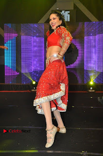 Bollywood Actress Model Sunny Leone Dance Performance in Red Half Saree at Rogue Audio Launch 13 March 2017  0043.jpg