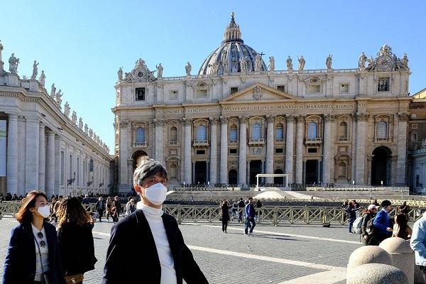 Ватикан отпустил заразившимся коронавирусом все грехи