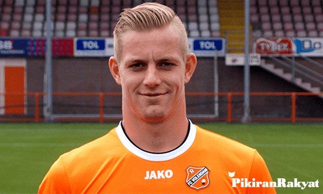 Kevin van Kippersluis dikontrak Persib 5 bulan dan opsi perpanjangan 1 tahun.
