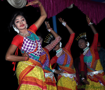 The Jhumur ,A Popular Folk Dance of Eastern India,
