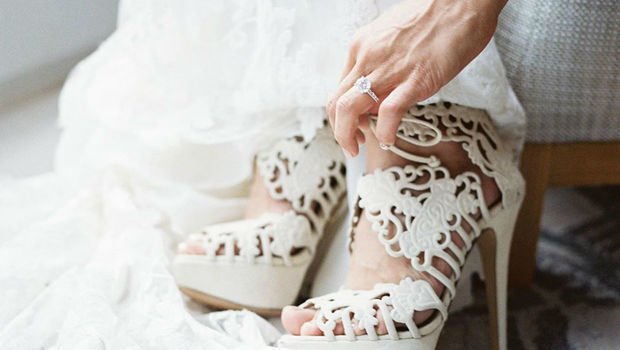 7 نصائح اتبعيها عند اختيار حذاء الزفاف لتجنب الشعور بالألم