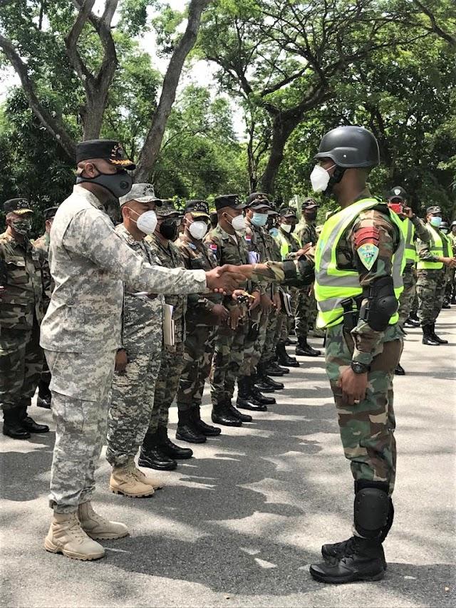Soldados destacados en control toque de queda de la FTC-CIUTRAN son reconocidos