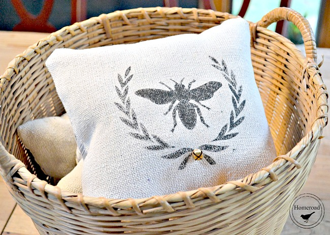 Bee with Wreath and Rosette Pillows