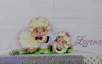 fralda pintada com ovelhinhas e barrado de patchwork