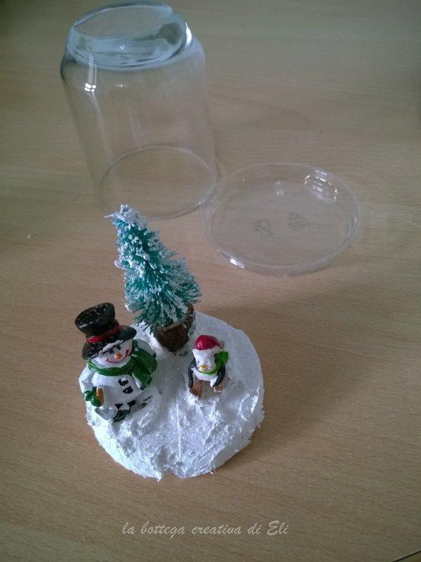 snow globes realizzati con barattoli di vetro