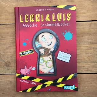 """""""Lenni und Luis: Attacke, Schimmelbacke!"""" von Wiebke Rhodius, mit Illustrationen von Sabine Sauter, erschienen im Planet Verlag, Kinderbuch ab 8 Jahren, Rezension auf Kinderbuchblog Familienbücherei"""