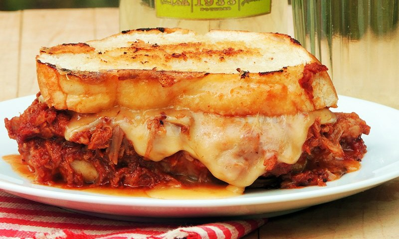 Tangy BBQ pulled pork with smoked Gouda grilled cheese is most amazing grilled cheese sandwich ever! #BBQ #grilled #pork #pulledpork #cheese #grilledcheese #sandwich #recipe | bobbiskozykitchen.com