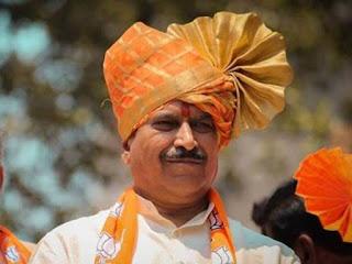 state-railway-minister-suresh-aghadi-passes-away