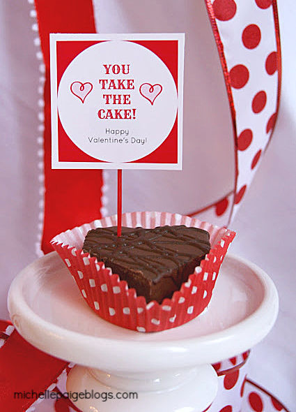 Free printable cupcake and dessert toppers for Valentine's Day.