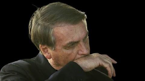 Acuado, Bolsonaro ataca China e desafia STF só para mudar foco da CPI da Covid
