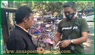 CCF Bagikan Dana Bantuan Untuk Pak Taufik Di Kota Malang