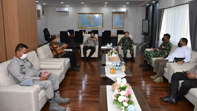 Pangdam XIII/Merdeka Hadiri Rakor Lintas Sektoral Pengamanan Idul Fitri 1442H Tahun 2021