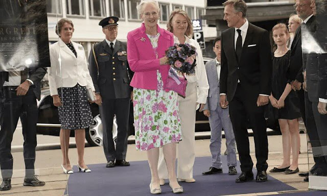 Queen Margrethe was welcomed by the title character Danish actress Trine Dyrholm and the film's Danish director Charlotte Sieling
