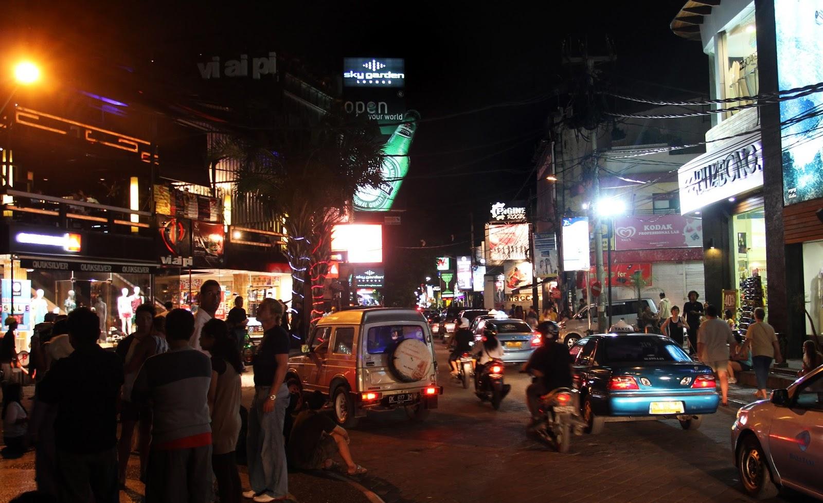 Menikmati Wisata Malam Di Legian Bali