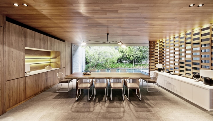 Dining room in The Wall House by FARM Architects