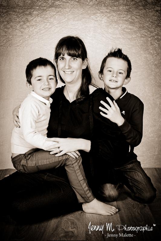 séance photos portrait en famille en studio vendée 85