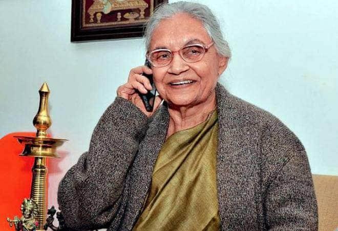 शीला दीक्षित के निधन पर अक्षय कुमार ने किया ट्विट, बॉलीवुड के इन स्टार्स ने भी जताया दुख