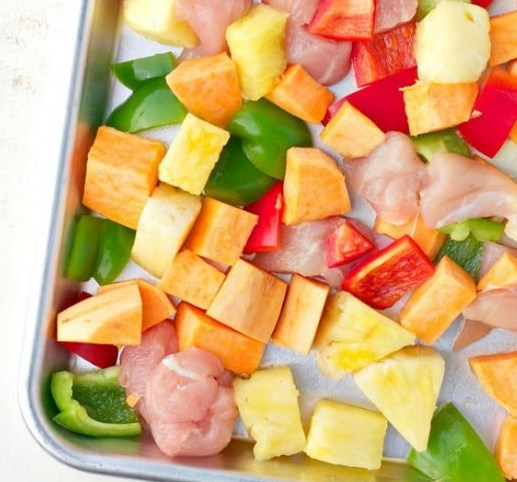 SHEET PAN SUPPER: HAWAIIAN CHICKEN #healthydinner #easyrecipes