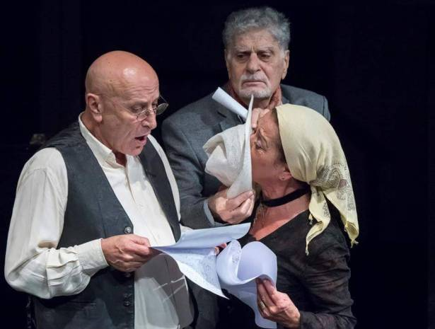1fee9b9fa شكسبير مستعاداً على مسرح LAU في مجموعة مختارة لجلال خوري