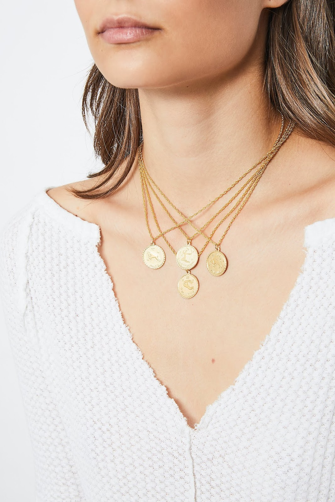 2019 Holiday Guide: Trendy, Pretty Necklaces :: Effortlessly with Roxy