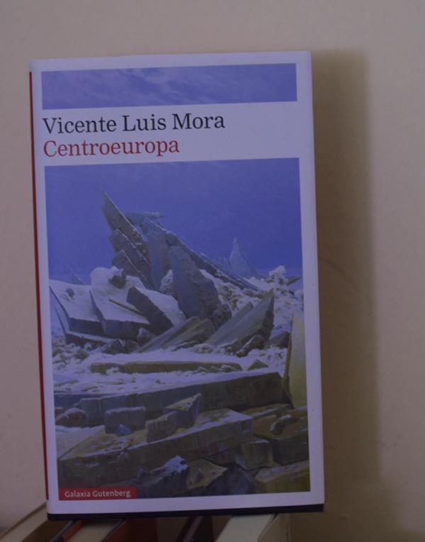 Reseña sobre «Centroeuropa» de Vicente Luis Mora, en Bestia Lectora
