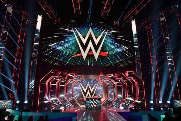 عاجل: توقيف نجمين في WWE بسبب انتهاكات سياسة السلامة البدنية