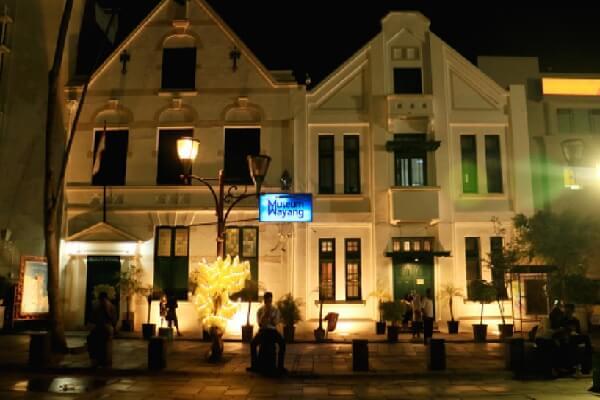 Museum Wayang termasuk dari 5 tempat wisata di Jakarta sangat diminati karena keunikan dan keindahannya.