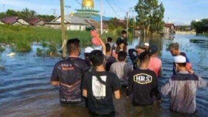 Tanpa Atribut, FPI Buka Posko Dapur Umum dan Evakuasi Korban Banjir di Kalsel
