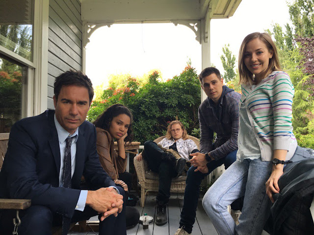 travelers 12 - Review: Travelers