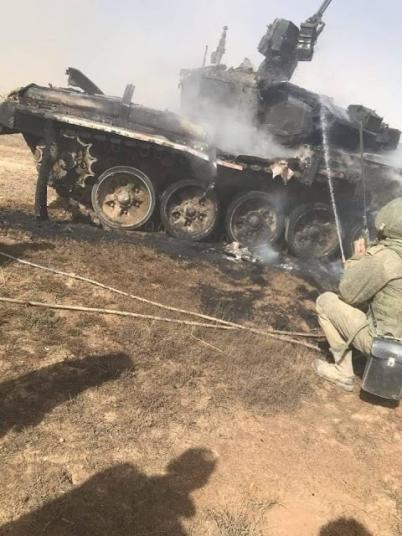 Росіяни на навчаннях заПТУРили власний танк Т-90