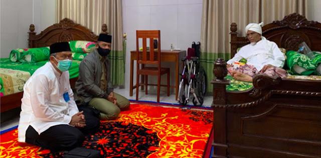 Beda Di Surabaya, Gatot Nurmantyo Dapat Sambutan Hangat Tuan Guru Bagu Di Lombok