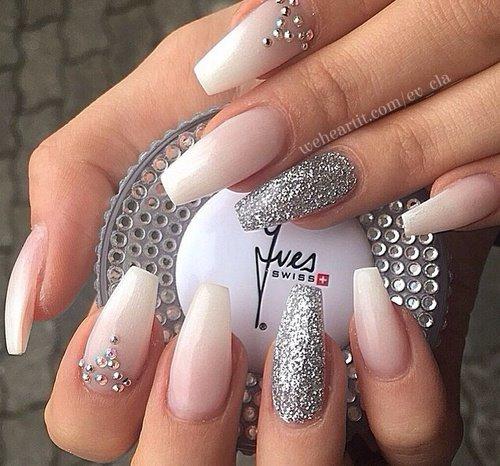 Relativ Unhas de gel branco leitoso com brilhantes prata | Dicas Femininas FB26