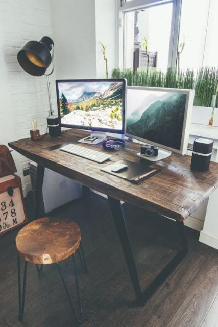 рабочее место для творческих людей
