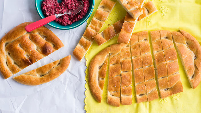 Armenian flatbread (matnakash)