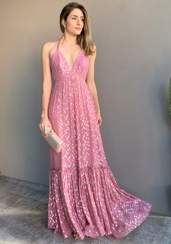 vestido longo rosa com estampa de bolinhas douradas poás