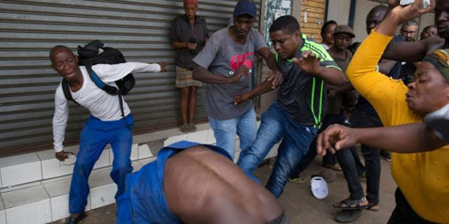 Nigerian officials meet South African police over fresh attacks