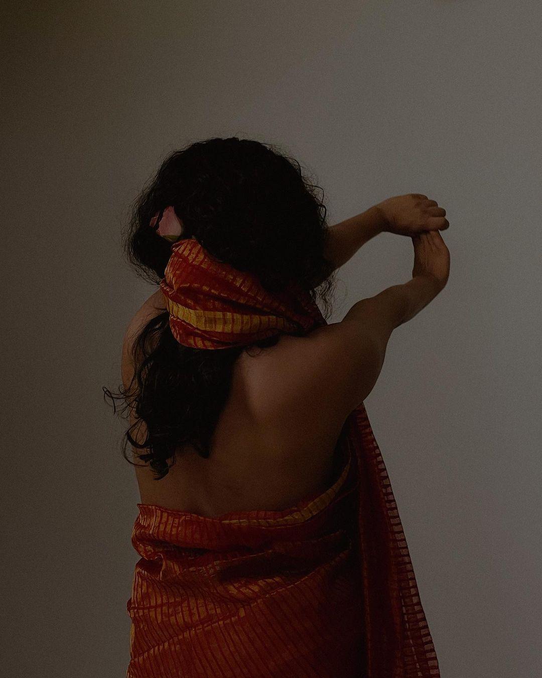 South Indian Actress Srindaa Hot In Saree Stills