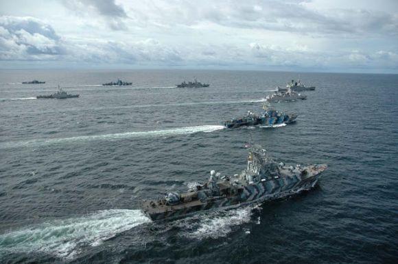 Armada kapal perang TNI AL