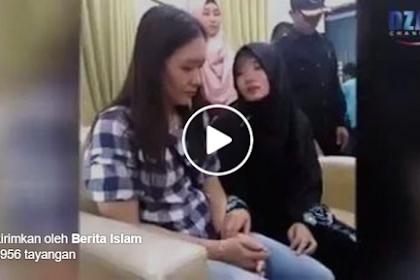 Tak Terima Putrinya Masuk Islam, Keluarga Sewa Pengacara untuk Datangi Masjid, Namun Jawaban Anaknya Bikin Netizen Berurai Air Mata