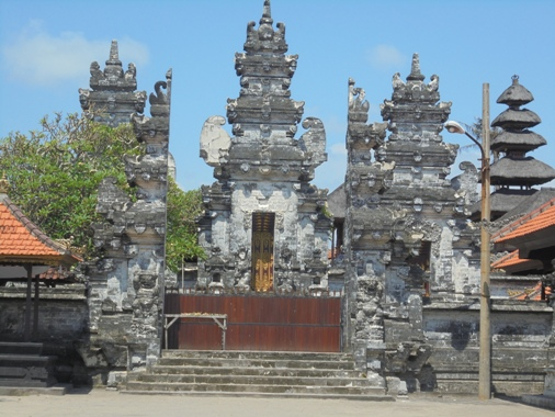 Batu Bolong Temple Canggu Bali, Hindu Temple Pura Batu Bolong Canggu Bali