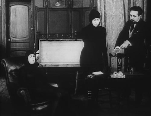 Movie still from Les Vampires, 1916