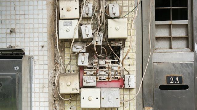impianto elettrico-corrente-normativa-elettricità