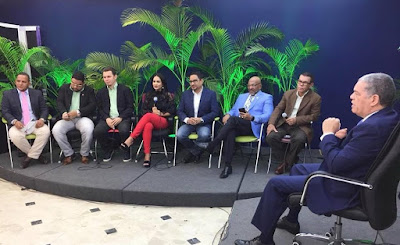 VIDEOS: @CarlosAmaranteB anuncia desmontará vallas promueven su precandidatura @EntreJerez