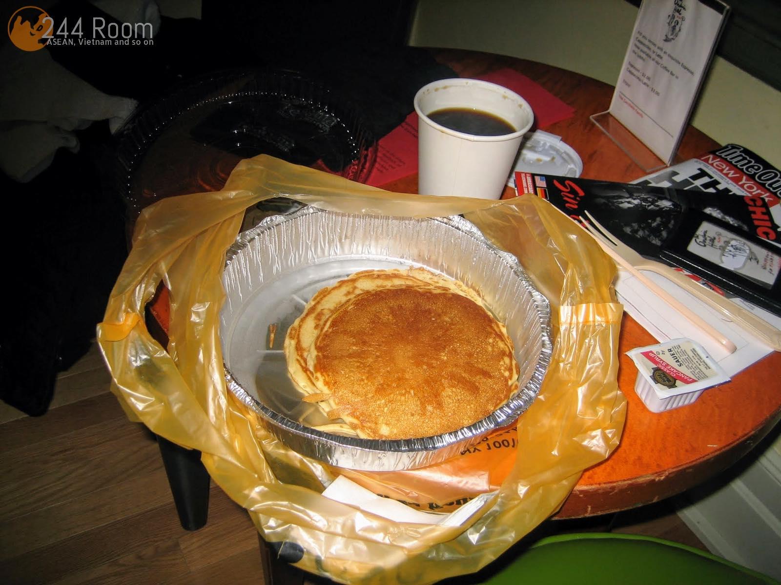 ニューヨークのパンケーキとコーヒー Pancake and coffee in NY