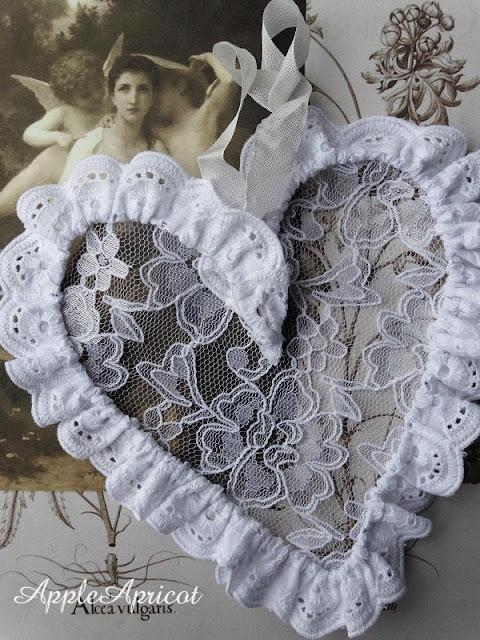 DIY wire and lace heart by AppleApricot