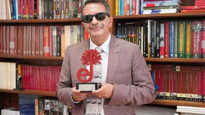 José Soto Chica - Autor de la novela El Dios que habita la espada