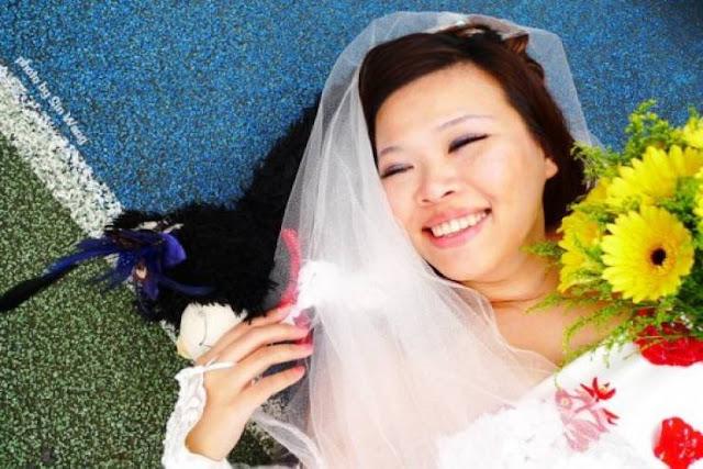 هذه الفتاة أقامت حفل زفافها في أحد الفنادق الضخمة  ولكنها ستتزوج نفسها !!  لماذا فعلت ذلك إليكم التفاصيل