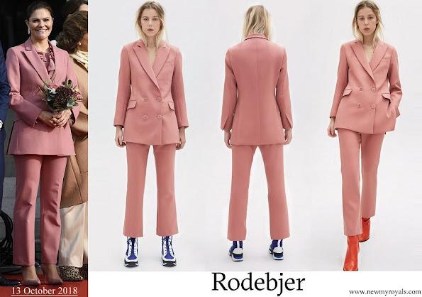Crown Princess Victoria wore Rodebjer Nera Pink pantsuit