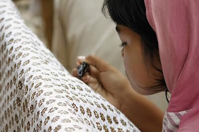 Berburu Buah Tangan di Kampung Batik Jawa Tengah