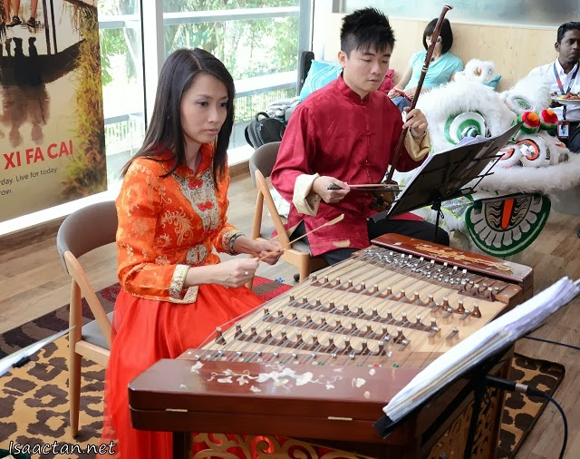 Beautiful music played on traditional instruments accompanied us during the premiere launch